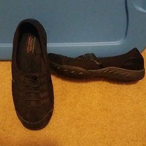 Like New Sketchers Memory Foam Sneakers